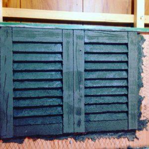 モルタル造形で雨戸 ヴォレー 飾りシャッター #3