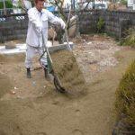 名古屋 守山区で植栽工事と山砂入れ