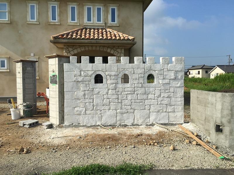 知多市で外構 モルタル造形で造る外構 おしゃれな壁が出来ました