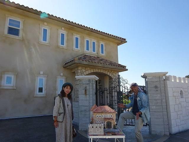 知多市の輸入住宅をそのままコピー モルタル造形ミニチュア