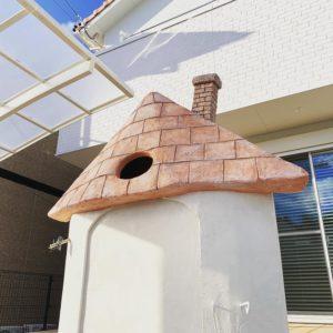 えんとつ付きとんがり屋根の門塀