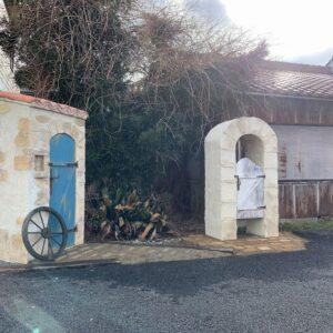 小屋のある庭 モンプティキャバンヌ